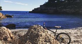 Lloguer bicicletes elèctriques - Mar Natura